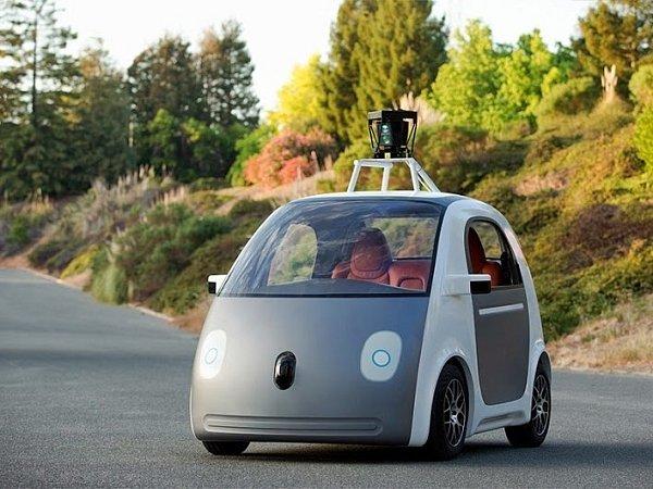 Google představil vlastní plně automatizované automobily bez volantu, plynu nebo brzd.