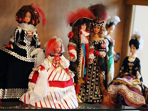 Výstava historických oděvů
