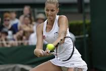 Karolína Plíšková v zápase druhého kola Wimbledonu.