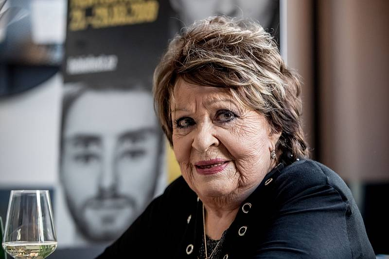 Herečka Jiřina Bohdalová.