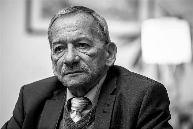 Zemřel předseda senátu Jaroslav Kubera