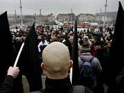 Topolánek se vyjadřuje k extremismu
