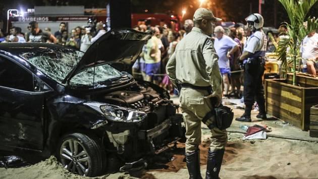 Řidič najel v Riu do lidí