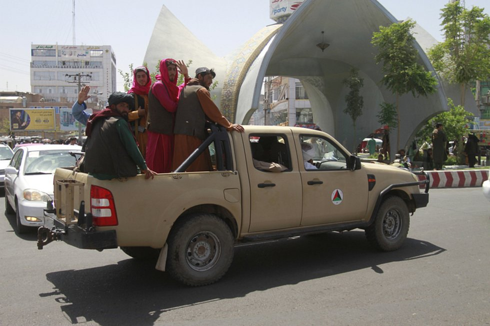 Bojovníci Tálibánu ve městě Herát