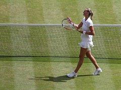 Petra Kvitová se raduje z postupu do finále Wimbledonu.