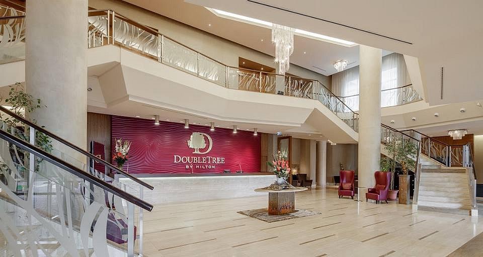 Hotel DoubleTree by Hilton v Bratislavě hostí během hokejového MS český reprezentační tým.