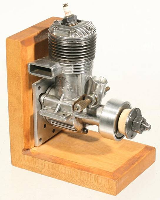 historick modelářský spalovací motor