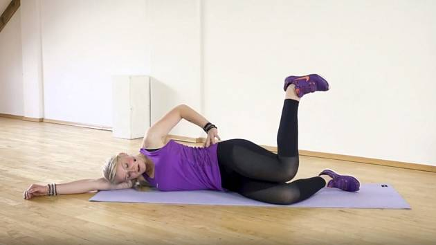 Vytvarujte si sexy boky a štíhlá stehna.Lektorka Alena Vídeňská vám ukáže, jak na to.