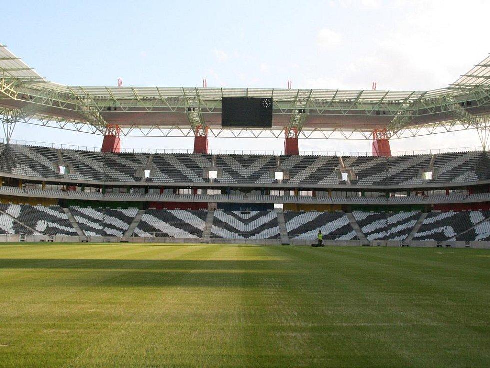 Mbombela Stadium – Nelspruit. Kapacita: 43 589.