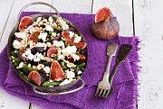 Salát z fazolek, fíků a kozího sýra