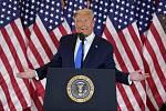 Americký prezident Donald Trump během vystoupení v Bílém domě k proběžným výsledkům voleb, 4. listopadu 2020.