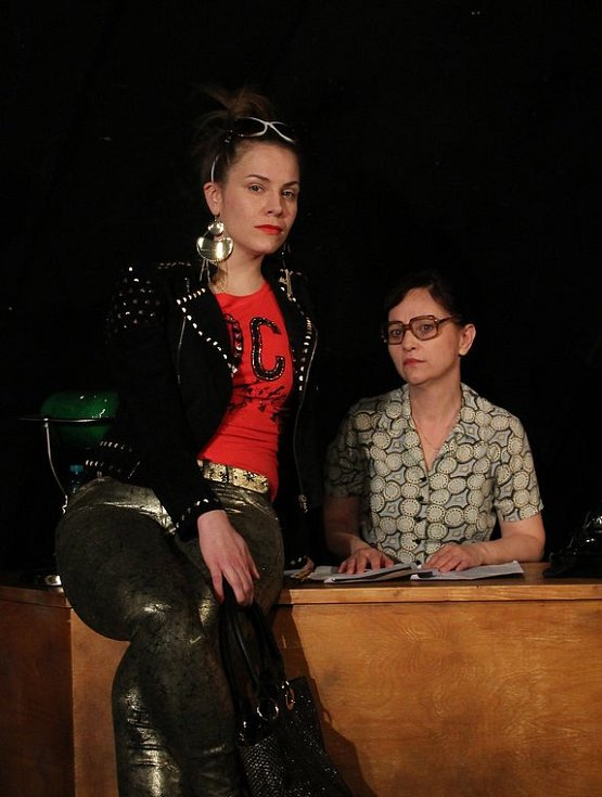 Ungelt, z představení Skořápka