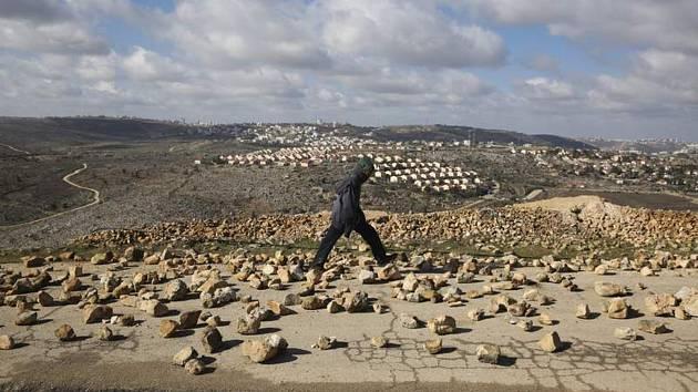 Pohled na židovskou osadu Amona na palestinském Západním břehu Jordánu