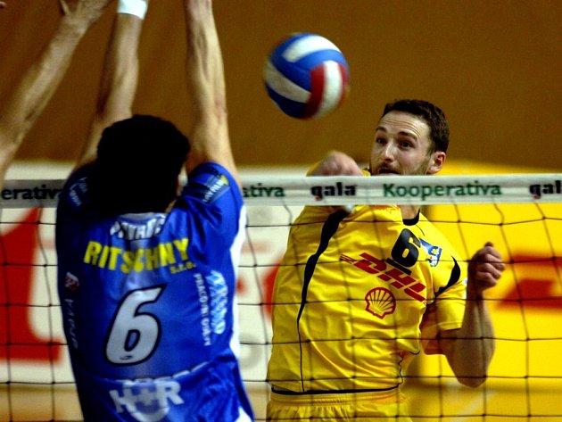 Volejbalisté DHL Ostrava potvrdili roli favorita v derby s Opavou.