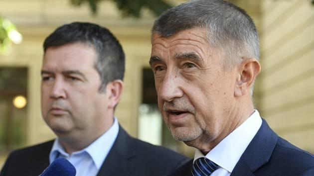 Zprava premiér Andrej Babiš (ANO) a předseda koaliční ČSSD Jan Hamáček.