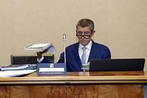 Premiér Andrej Babiš před schůzí vlády, která jednala 30. září 2019 v Praze