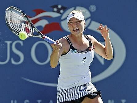 Ruská tenistka Vera Zvonarevová postoupila do semifinále US Open.