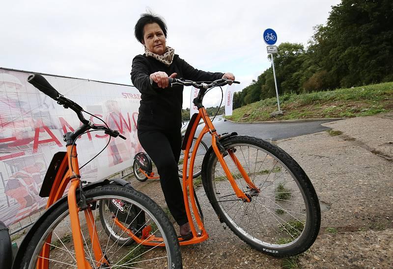 Na Labské cyklostezka u Dobříně na Roudnicku.