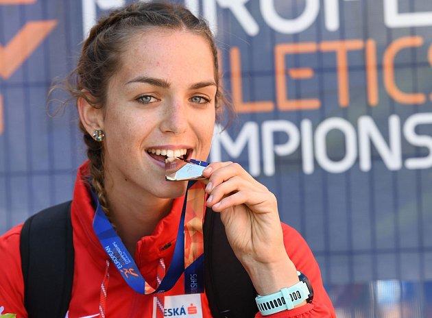 Anežka Drahotová se svou stříbrnou medailí
