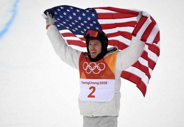 Shawn White získal třetí olympijské zlato na U-rampě.