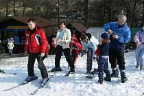 Při lyžování v Jeseníkách se odkládaly zimní bundy