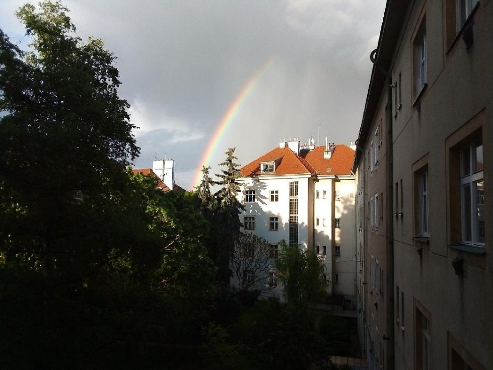 Duha nedaleko pražské Jezerky