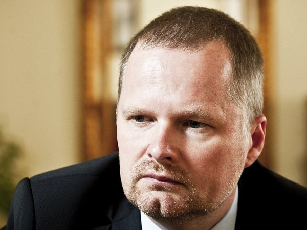 Ministr školství Petr Fiala.
