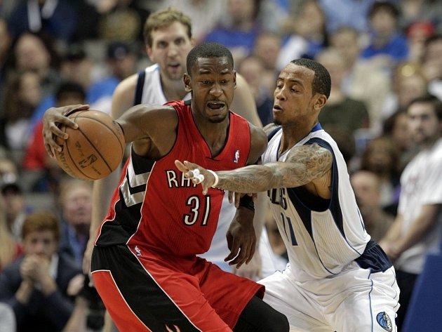 NBA - Toronto vyhrálo v Dallasu o bod v prodloužení