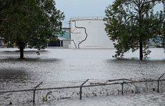 Zatopená chemická továrna Arkema u Houstonu.