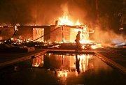 V americké Kalifornii řádí ničivé požáry