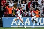 Zápas semifinále poháru MOL Cup mezi Slavia Praha a Sparta Praha hraný 24. dubna v Praze. Souček oslavuje první gól