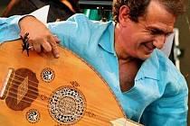 Slavný hudebník Abou-Khalil Rabih