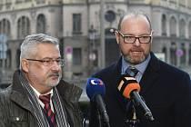 Ministr školství Robert Plaga (vpravo) a odborář František Dobšík (vlevo).
