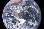 Planeta Země vyfotografovaná Apollem 17