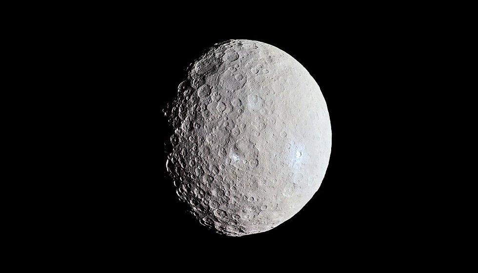 Planeta Ceres vyfotografovaná kosmickou sondou Dawn v roce 2015