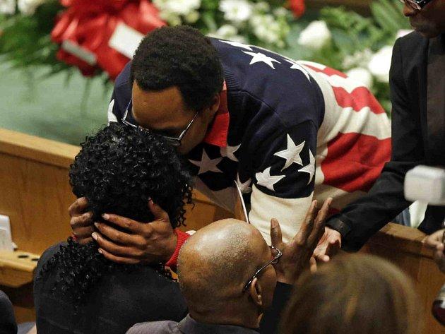 Pohřeb černošského mladíka Freddieho Graye v americkém Baltimoru.