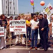 Obdobný pochod se v témže roce konal i v Los Angeles