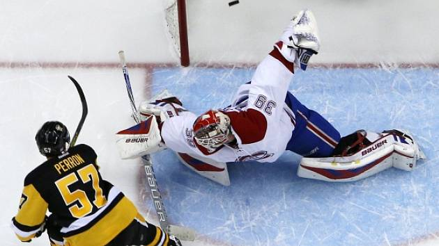 Zápas Montrealu s Pittsburghem rozhodl až v samostatných nájezdech David Perron (57).