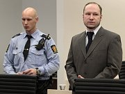 Anders Behring Breivik u soudu.