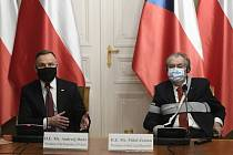 Prezident Miloš Zeman (vpravo) a jeho polský protějšek Andrzej Duda