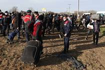Migranti v Turecku, nedaleko hranice s Řeckem