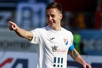 Daniel Holzer z Baníku se raduje z gólu.