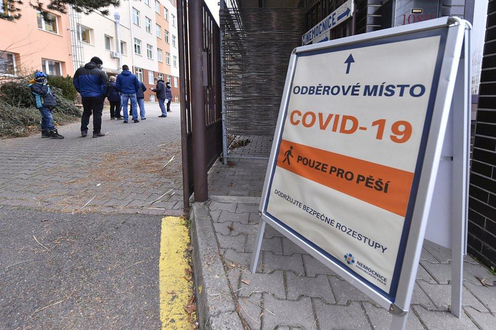Odběrové místo pro testování na nemoc covid-19 - ilustrační foto.