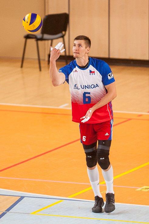 Přátelské utkání ve volejbale mezi reprezentačním výběrem České republiky a Kanady se odehrál 17. srpna v Jablonci nad Nisou. Na snímku je Michal Finger.
