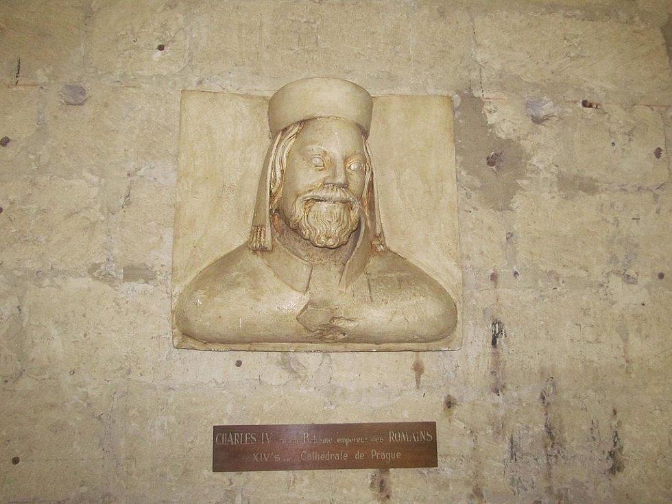 Busta císaře Karla IV. v Papežském paláci v Avignonu