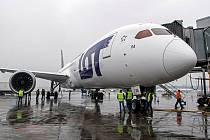Boeing 787-9 Dreamliner v barvách polského dopravce LOT.