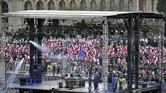 Oslavy Macronova vítězství