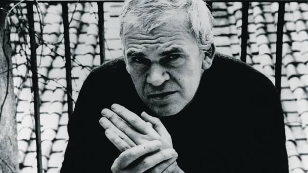 KNIHA NA TŘASKAVÉ TÉMA. Janu Novákovi lze vyčítat mnohé, ne však to, že by málo vyzýval ke čtení díla Milana Kundery.