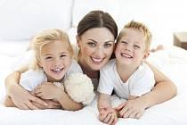 Děti a spořádaná domácnost? Hlavní faktory určující spokojenost žen