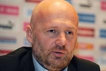 Michal Bílek na tiskové konferenci.